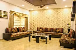Duplex in Indore: asian Living room by Shadab Anwari & Associates.