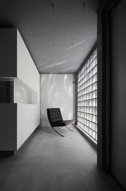 Glass Art Gallery: Jun Murata   |   JAMが手掛けた廊下 & 玄関です。