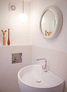 De badkamer : moderne Badkamer door IJzersterk interieurontwerp