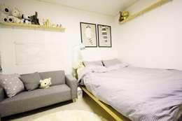 modern Bedroom by homelatte