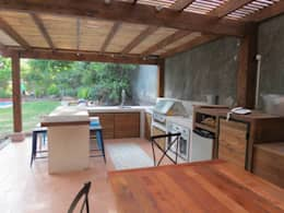 modern Living room by OBRAA QUINCHOS Y TERRAZAS