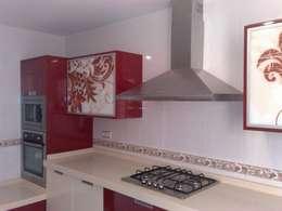 modern Kitchen by Inmarosa