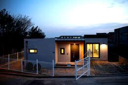 modern Houses by 한글주택(주)