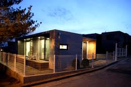 Projekty, nowoczesne Domy zaprojektowane przez 한글주택(주)
