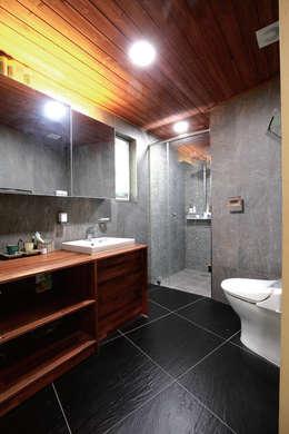 Ванные комнаты в . Автор – 꿈꾸는목수