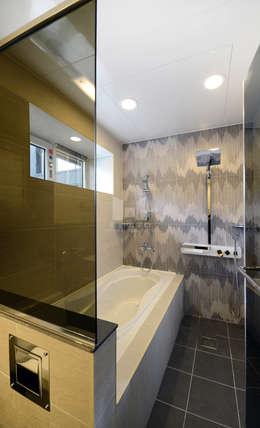 코원하우스: modern tarz Banyo