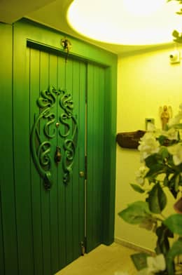 Residence in Goregaon:  Windows by Design Kkarma (India)