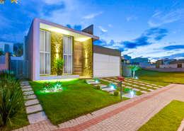 Casas de estilo moderno por Zani.arquitetura