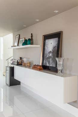 Projekty,  Salon zaprojektowane przez Duo Arquitetura