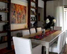 COMEDOR: Comedores de estilo rústico por VETA & DISEÑO