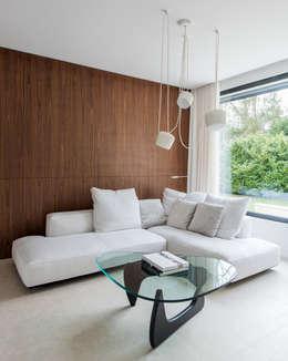 HABITATION PRIVÉE EN PÉVÈLE: Salon de style de style Moderne par mayelle architecture intérieur design