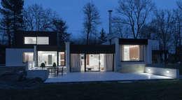 HABITATION PRIVÉE EN PÉVÈLE: Maisons de style de style Moderne par mayelle architecture intérieur design