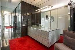 Penthouse Punto Central: Baños de estilo  por Línea Vertical