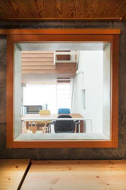 ห้องทำงาน/อ่านหนังสือ by こぢこぢ一級建築士事務所