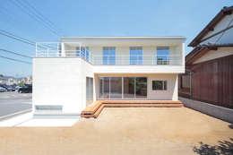 Rumah by こぢこぢ一級建築士事務所