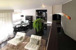 PH 525: Salas / recibidores de estilo moderno por Arq Renny Molina