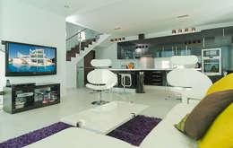 Living Room Casa Vary: minimalistic Living room by Househam Henderson