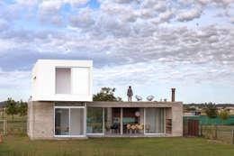Projekty, nowoczesne Domy zaprojektowane przez BAM! arquitectura
