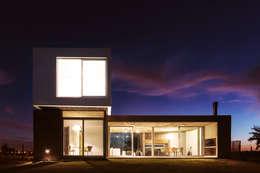 Casa CG342: Casas de estilo moderno por BAM! arquitectura
