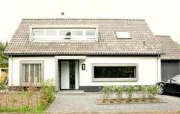 Projekty, nowoczesne Domy zaprojektowane przez Atelier09