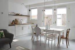 Appartement tbv verhuur in Haarlem: industriële Eetkamer door Atelier09