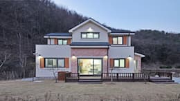 윤성하우징: kırsal tarz tarz Evler