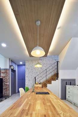 classic Kitchen by 윤성하우징