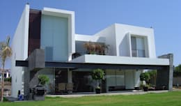 modern Houses by AParquitectos