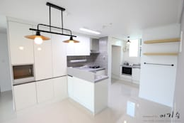 관평동 테크노밸리 10단지 꿈에그린아파트 34평형: 더홈인테리어의  주방