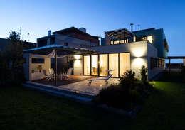 Maisons de style de style Moderne par Klaus Geyer Elektrotechnik