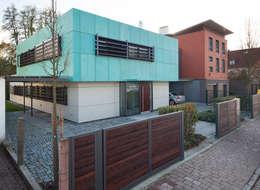 Casas de estilo moderno por Klaus Geyer Elektrotechnik