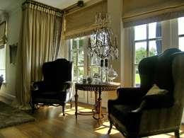 """Notariswoning Villa """"De Hofstede"""": klasieke Woonkamer door Brand BBA I BBA Architecten"""