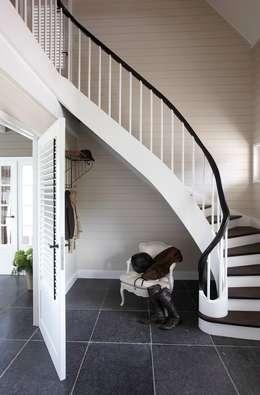 Corridor & hallway by Brand BBA I BBA Architecten