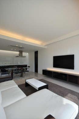 غرفة المعيشة تنفيذ 門一級建築士事務所