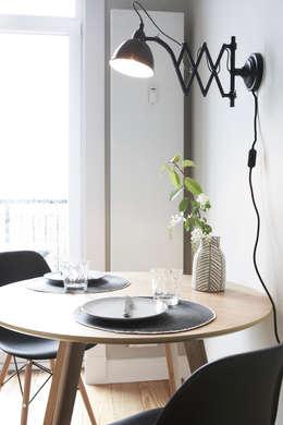Studio Uwe Gaertner Interior Design & Photography의  다이닝 룸