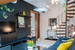 غرفة المعيشة تنفيذ Liana Salvadori Arquitetura e Interiores