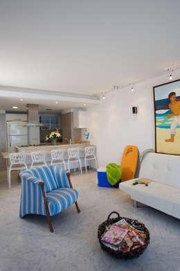 Apartamento 93-A: Salas / recibidores de estilo moderno por Objetos DAC