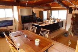ห้องทานข้าว by 建築設計事務所 山田屋