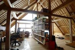 ห้องทำงาน/อ่านหนังสือ by 建築設計事務所 山田屋