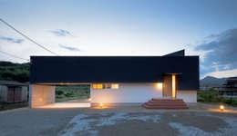 Maisons de style de style Scandinave par 風景のある家.LLC