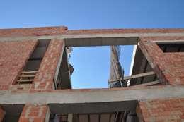 Tường by FRAMASA CONSTRUCTORA DEL NOROESTE SLU