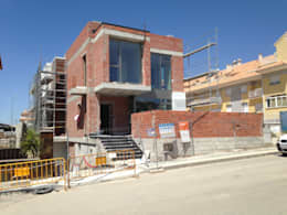 modern Houses by FRAMASA CONSTRUCTORA DEL NOROESTE SLU