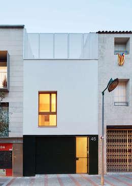 Casas de estilo minimalista por Vallribera Arquitectes