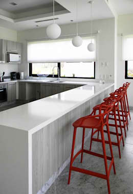 Kitchen by MAAD arquitectura y diseño