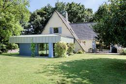 Extérieur de jour: Maisons de style de style Moderne par O2 Concept Architecture