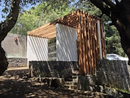 Acceso : Garajes de estilo moderno por VOLEVA arquitectos