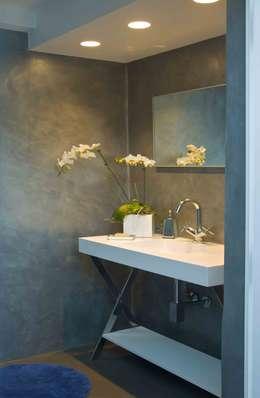 Terraza PH El Peñon: Baños de estilo moderno por Objetos DAC
