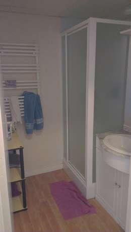 AVANT: Salle de bains de style  par MJ Intérieurs