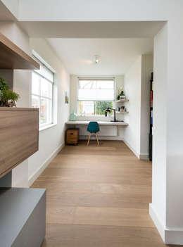 Projekty,  Domowe biuro i gabinet zaprojektowane przez Bas Suurmond Fotografie