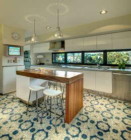 Casa LA 356 - RIMA Arquitectura: Cocinas de estilo moderno por RIMA Arquitectura
